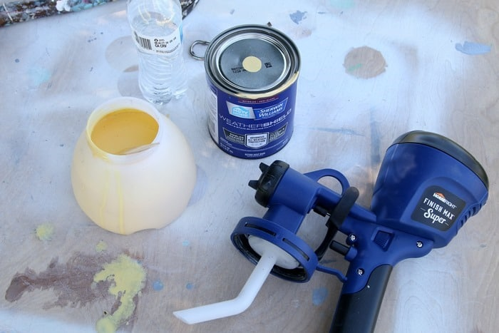 use latex paint in a HomeRight paint sprayer to paint outdoor furniture