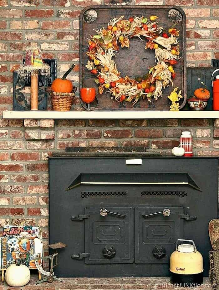 10 Fall Mantel Decorating Ideas