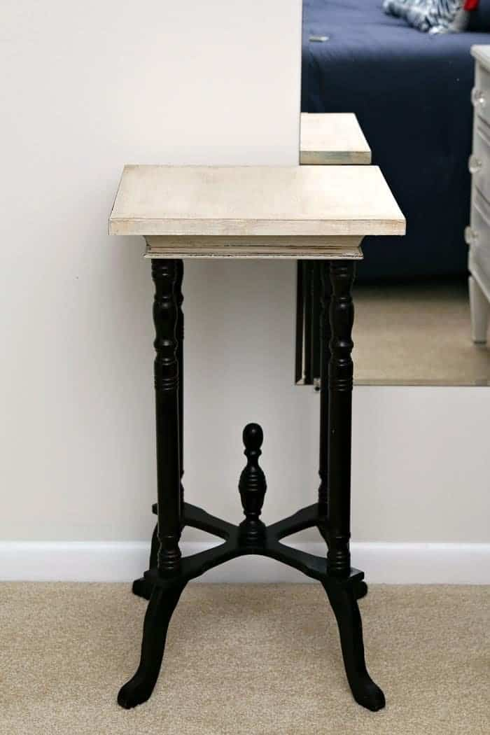 Painting-The-Top-Of-A-Vintage-Side-Table_thumb
