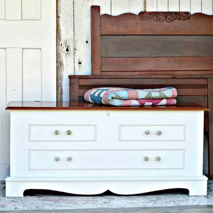Sure-Fire-Way-To-Modernize-Outdated-Furniture-1-1