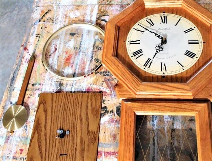 how to take a clock apart