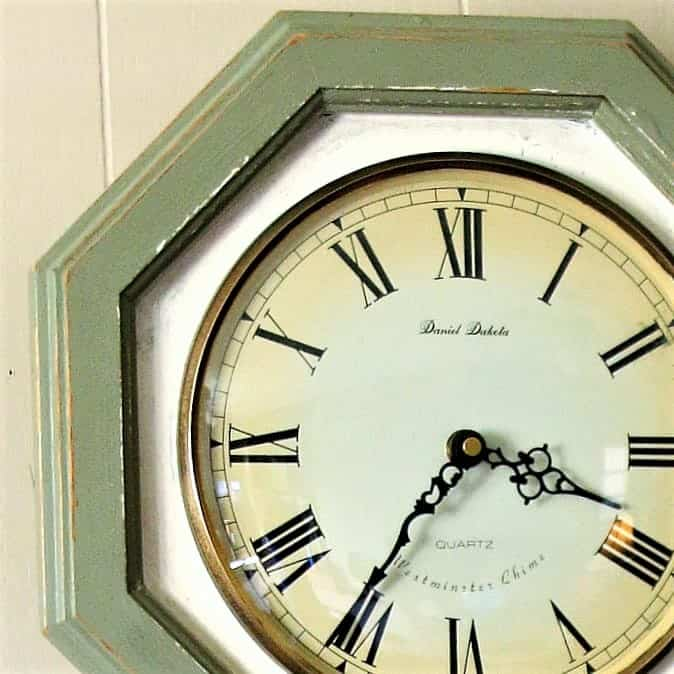learn how to paint a wood wall clock
