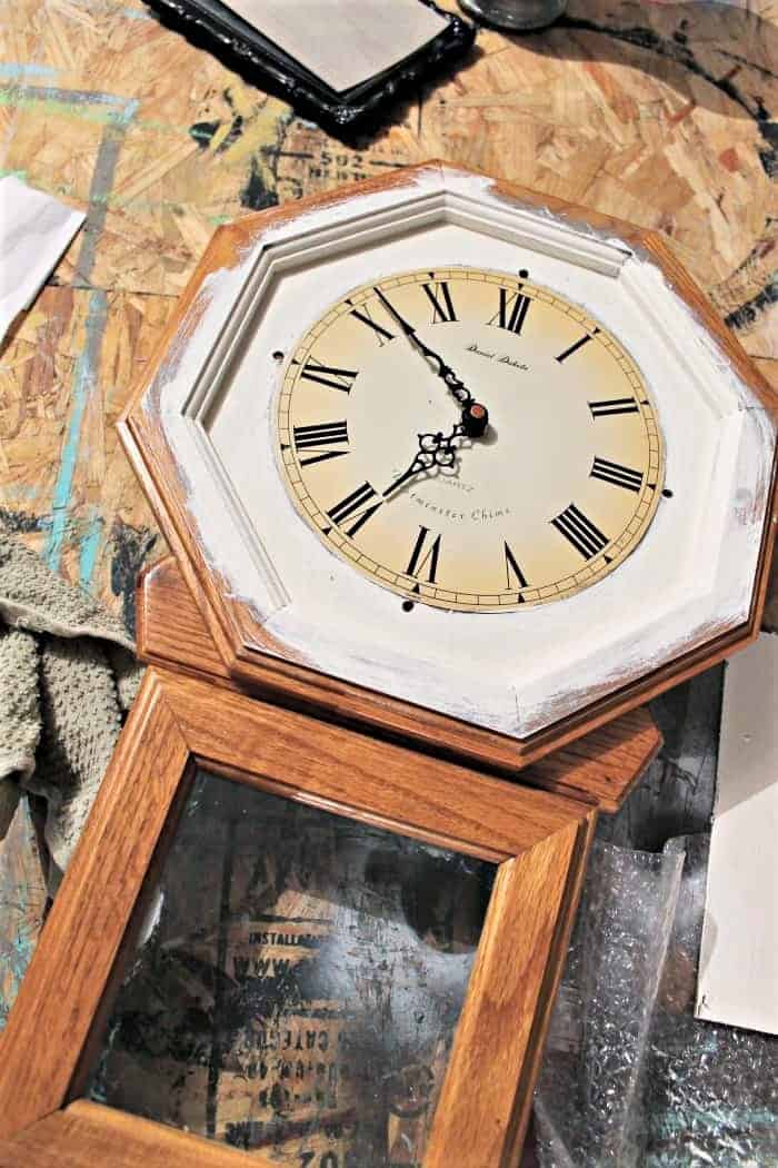 paint a wood clock white