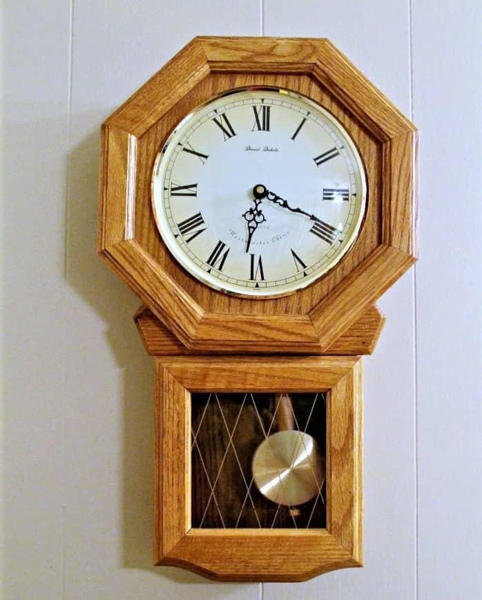 paint a wood clock