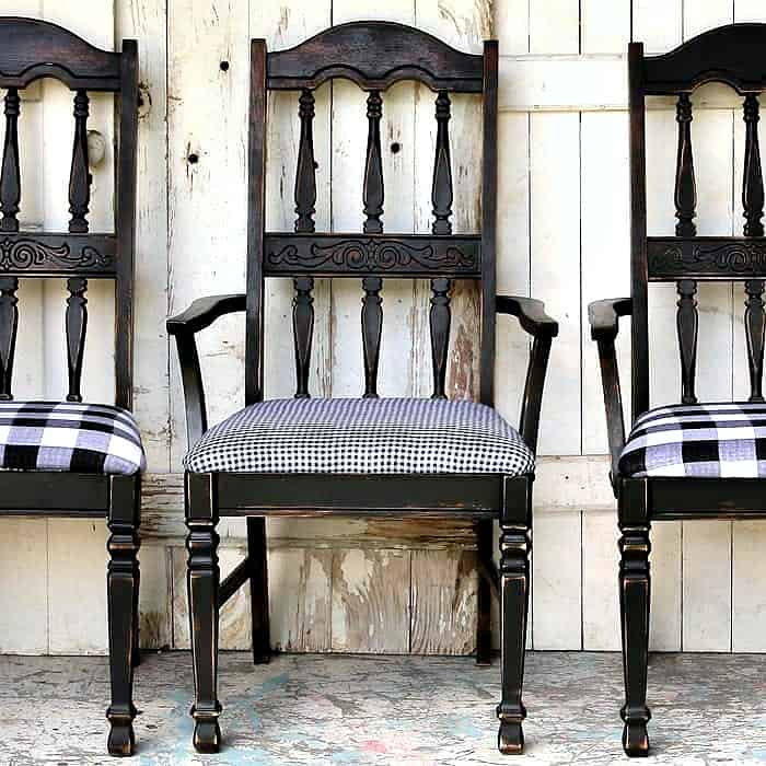 paint wood chairs with a paint sprayer