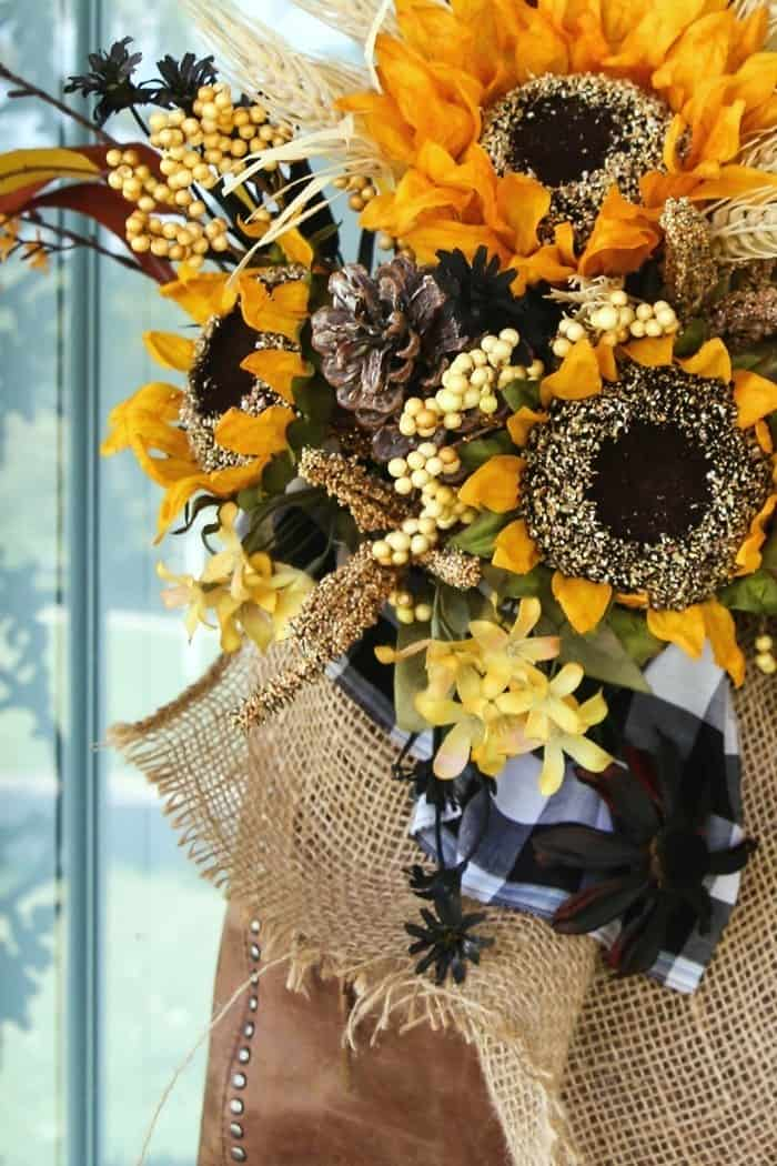 make a Sunflower purse wreath