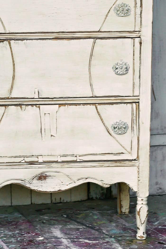 vintage wood furniture can be painted to look old
