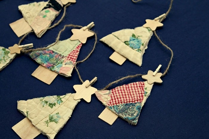 3 Step Vintage Quilt Christmas Tree Banner