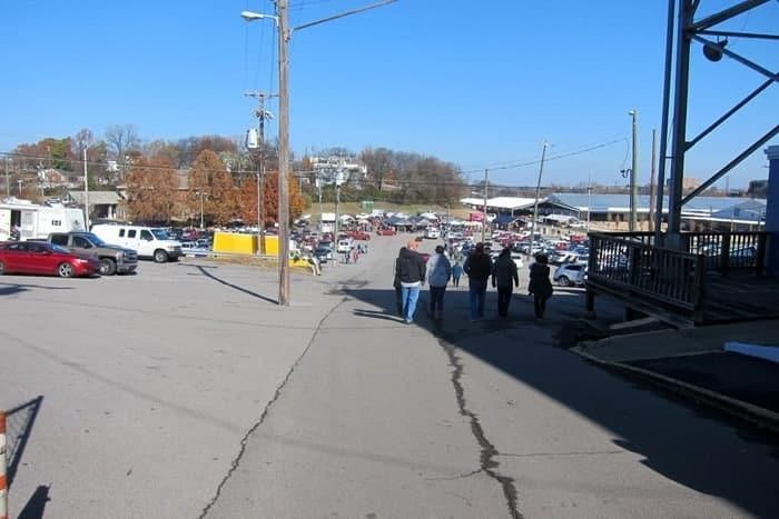 Nashville Flea Market Shopping Trip photos from Petticoat Junktion 13