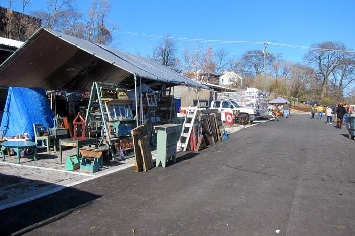 Nashville Flea Market Shopping Trip photos from Petticoat Junktion 42