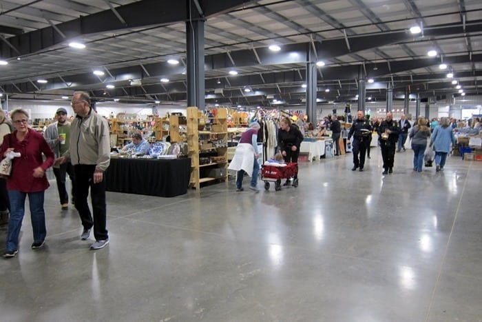 Nashville Flea Market Shopping Trip photos from Petticoat Junktion 52