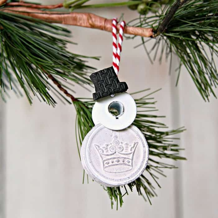 diy snowman ornament made from poker chips