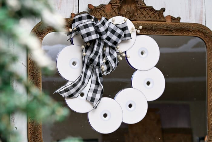 make a wreath using recycled CD's