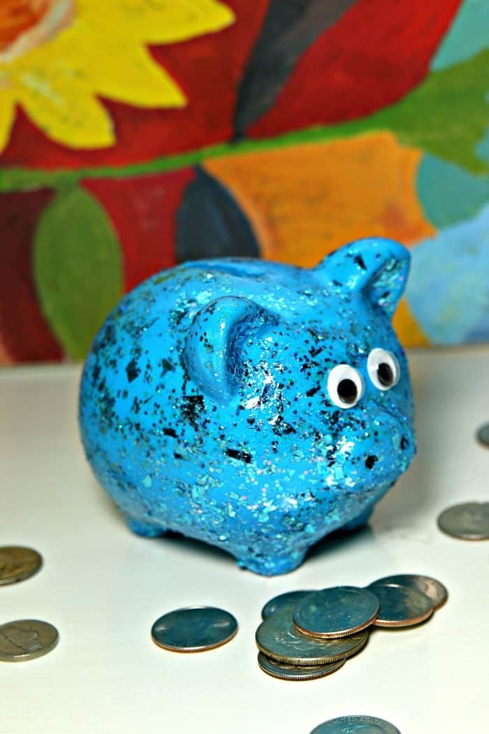 paint a Dollar Store Piggy Bank for a gift