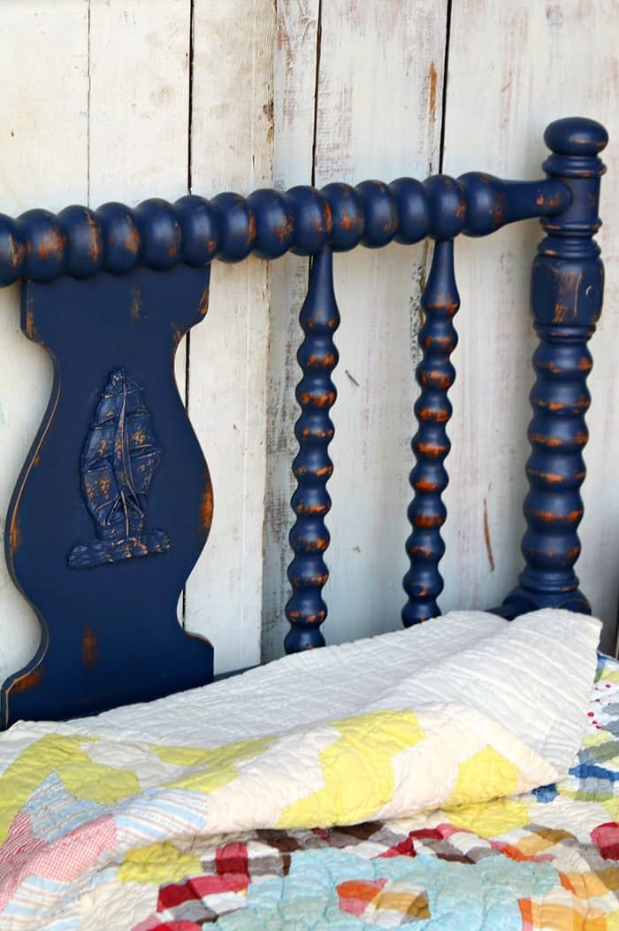 paint and distress a spindle bed