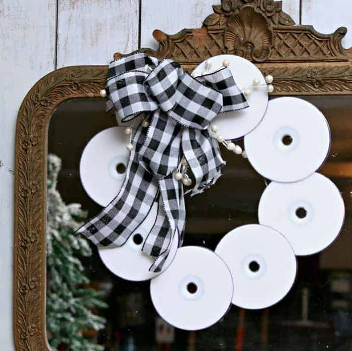 Quick And Easy DIY CD Wreath