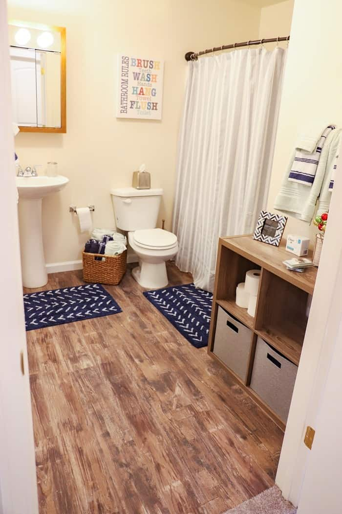 bathroom in Homes for the Holidays tour