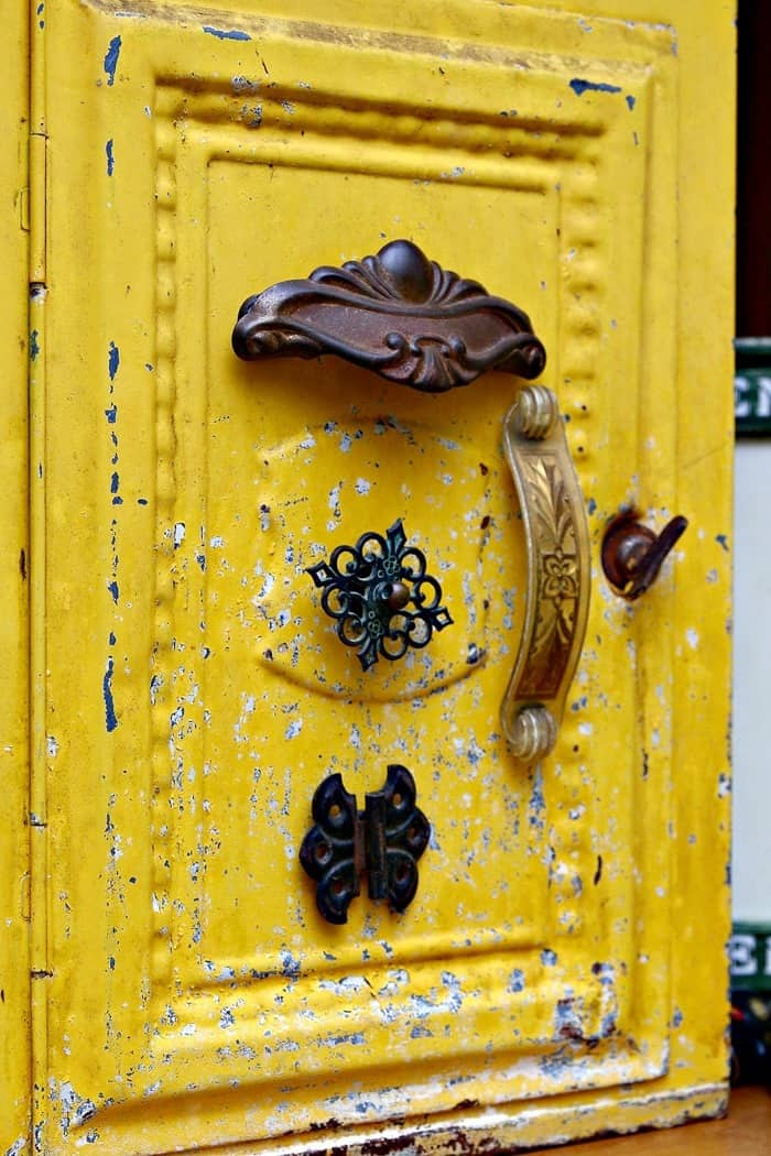 how to make magnets using vintage furniture hardware and antique keys