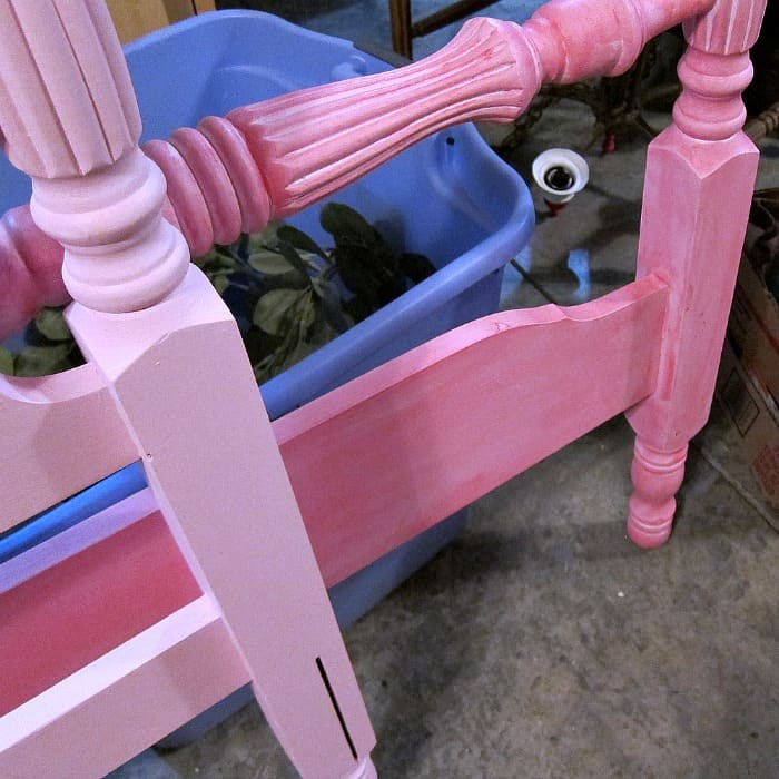 how to paint a spindle bed pink