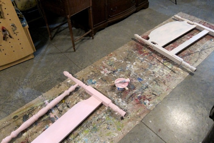 paint a bed pink