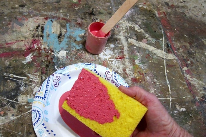 painting furniture with a sponge