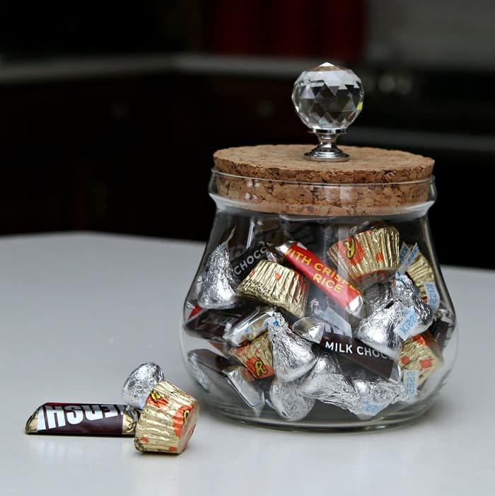 5 minute DIY Decorative Glass Candy Dish or Whatnot Jar