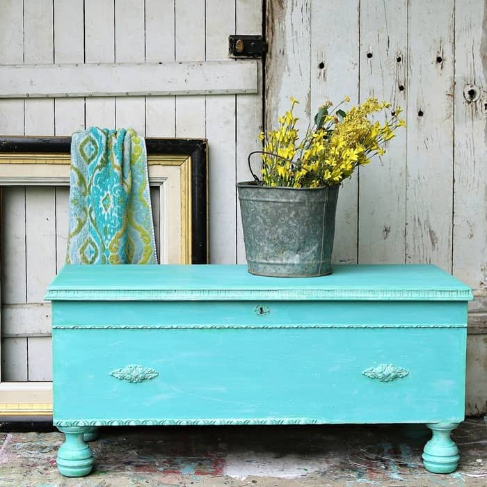 How To Apply A Color Wash To painted Furniture