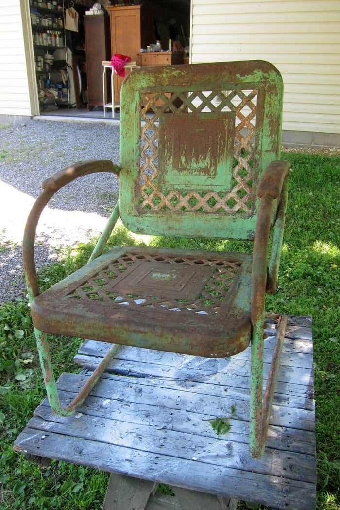 how to clean metal outdoor furniture