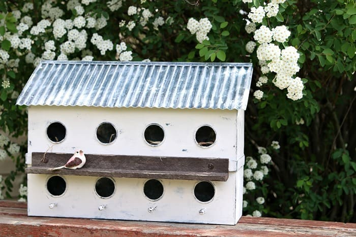 how to paint an ugly metal birdhouse white and shabby it up