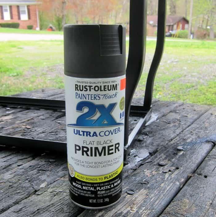 paint a metal aquarium stand with Rustoleum spray paint