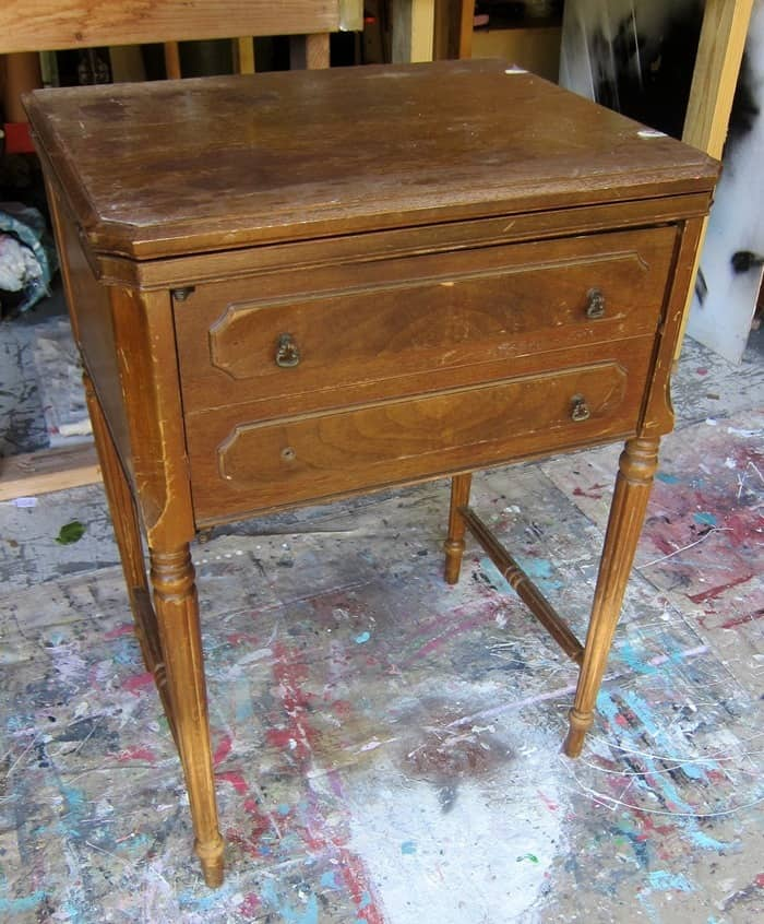 paint an old sewing machine cabinet
