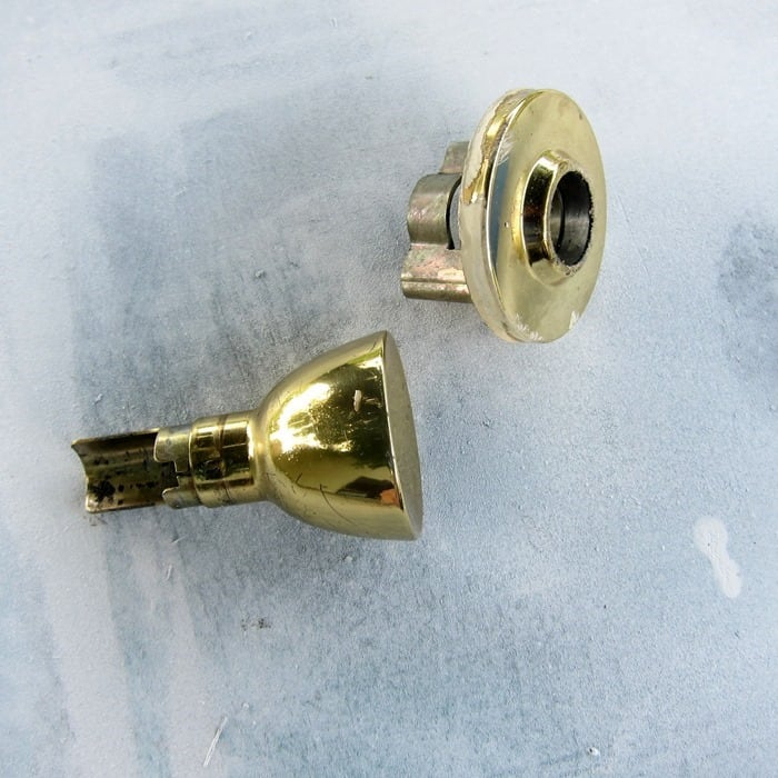 remove old door knobs and spray paint them