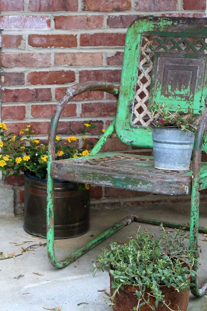 green rusty chair.