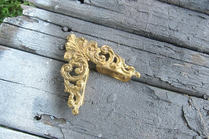gold frame corner piece
