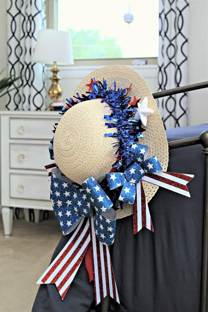 hang a Summer wreath on the foot board of your bed (4)