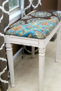 how to paint a piano bench