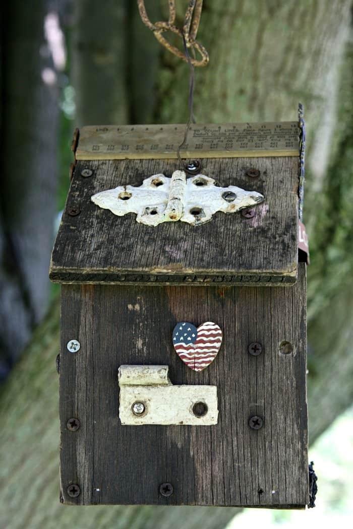 patriotic birdhouse decoration