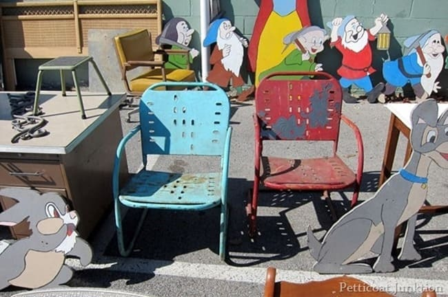 rusty-colorful-metal-chairs-nashville-flea-market_thumb