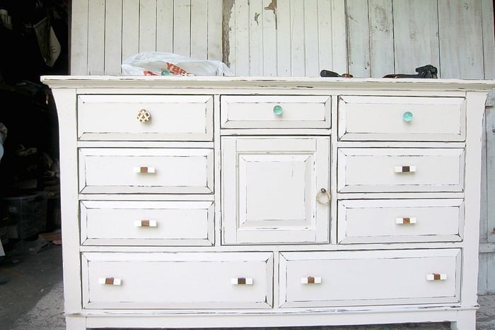 custom color latex paint for bedroom dresser