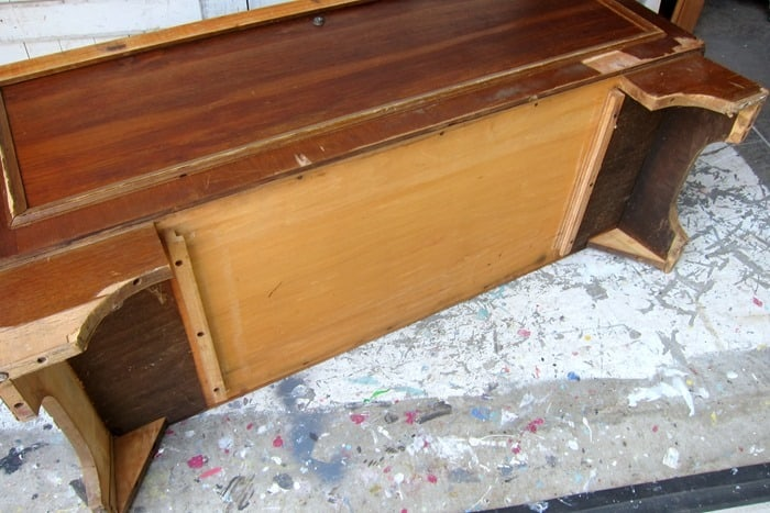removing the drawer from a Lane cedar chest before painting