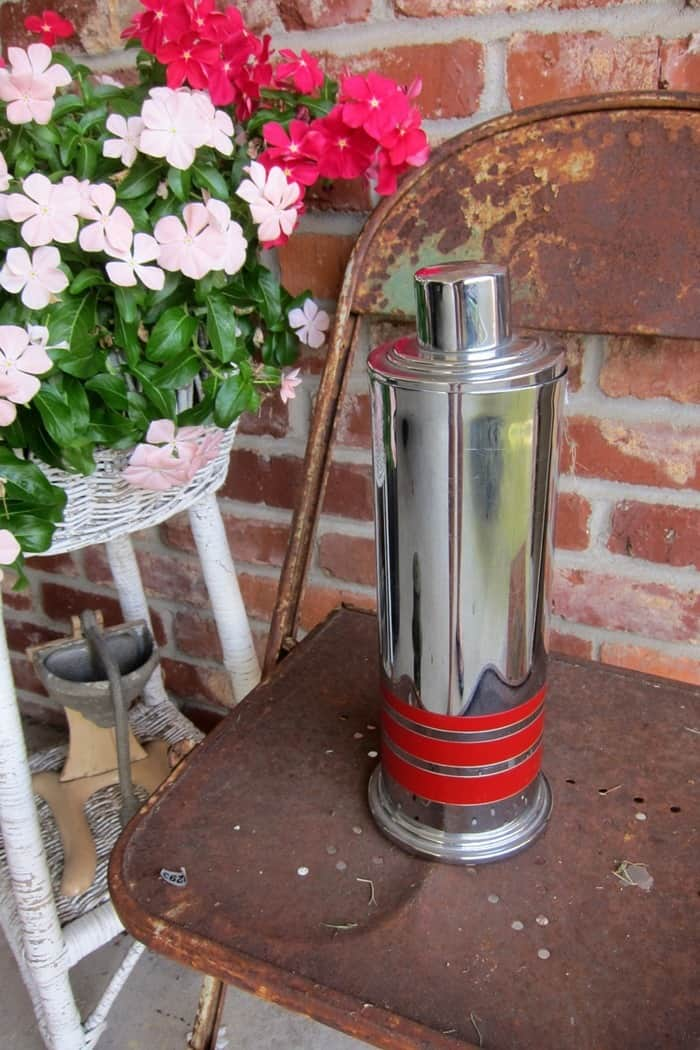 stainless steel drink shaker with red strips