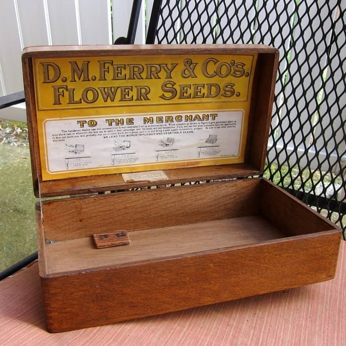 store seed box
