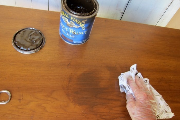 using General Finishes Gel stain to cover furniture scratches
