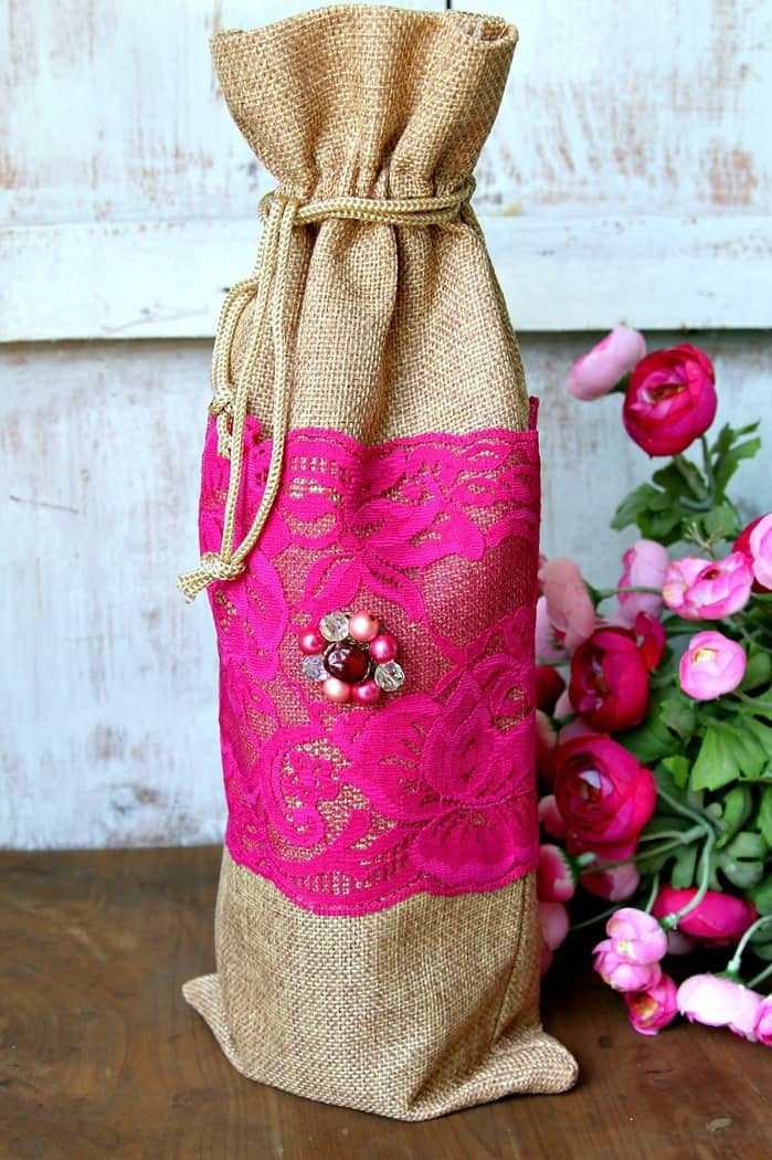 Burlap Bags With Lace And Vintage Jewelry