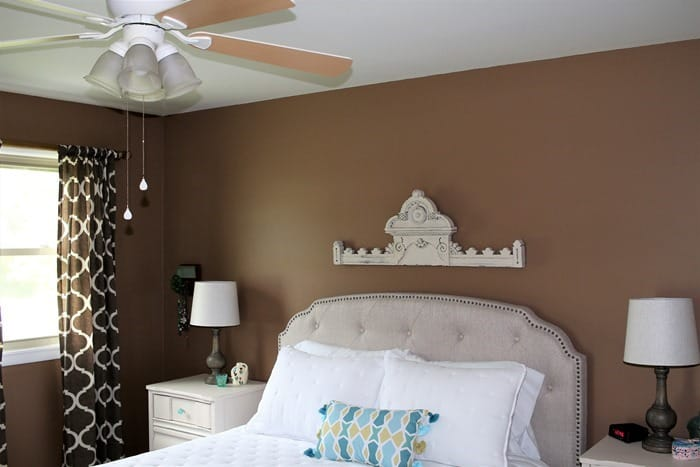 hang wall decor over the bed as a focal point (2)