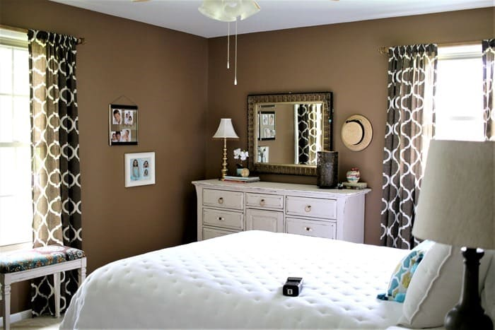 paint the master bedroom brown and decorate room in shades of white (2)