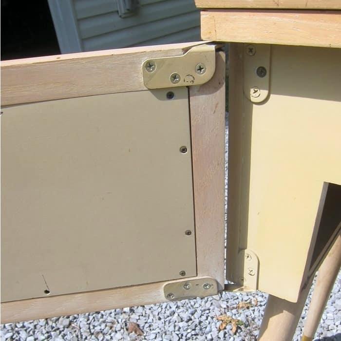 remove door hinges on furniture