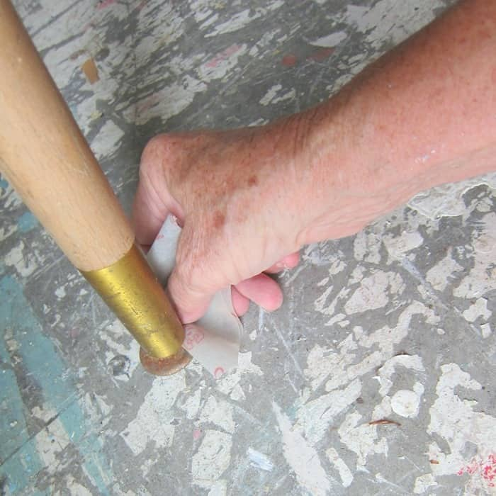 sanding rust from metal furniture feet