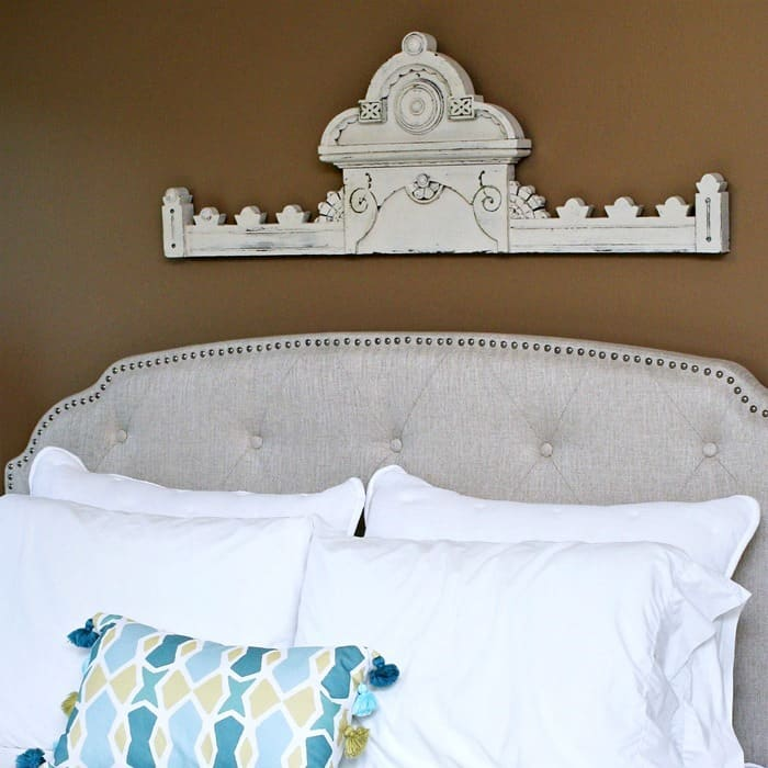 Above the bed wall decor idea