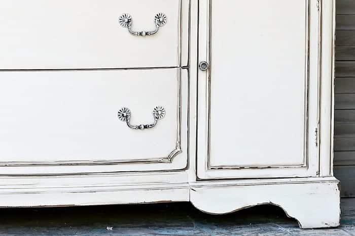 dry brushed furniture pulls for antique white dresser